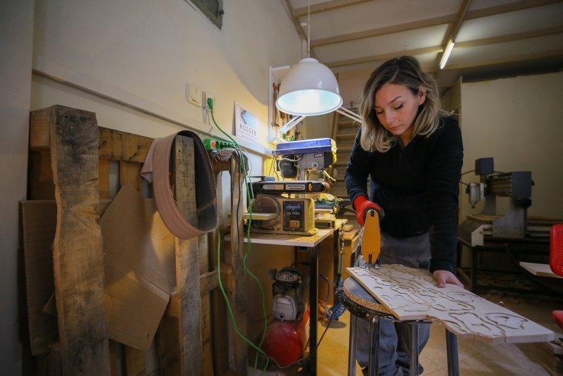 İzmirli genç tasarımcı Anadolu ve Orta Asya efsanelerinden esinlendi! Şimdi siparişlere yetişemiyor