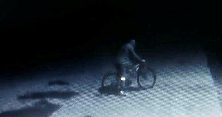 Bisikletli hırsız kısıtlama dinlemedi! Saniye saniye kamerada
