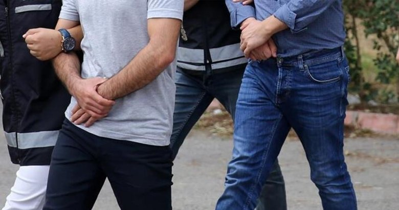 Afyonkarahisar merkezli FETÖ operasyonunda 2 asker gözaltına alındı