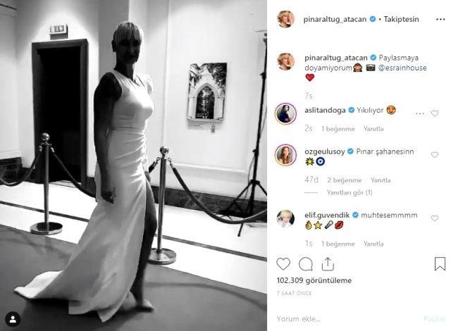 Pınar Altuğ, yırtmaçlı elbisesiyle dikkat çekti Sosyal medyada yorum yağdı
