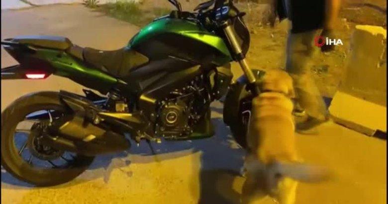 Motosiklet sürücüsünün çantasından 1 kilo uyuşturucu madde çıktı