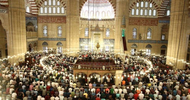 Regaip Kandili'nin önemi nedir? Regaip Kandili'nde hangi ibadetler yapılmalı? Regaip Kandili'nde okunacak dualar...