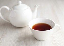 Demlikte kalan çayı atmayın