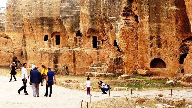 Doğu'nun Efes'i Dara Antik Kentine ziyaretçi akını! İşte Türkiye'de gezilmesi gereken yerler