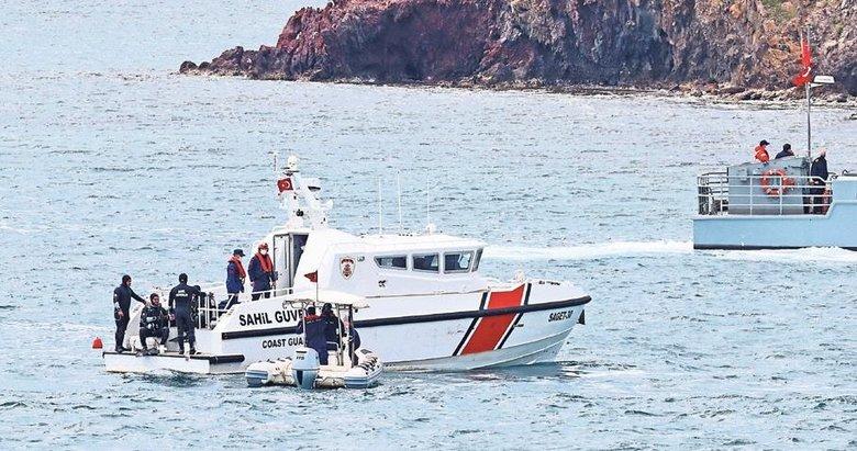 Foça'da askeri eğitim uçağı denize düştü