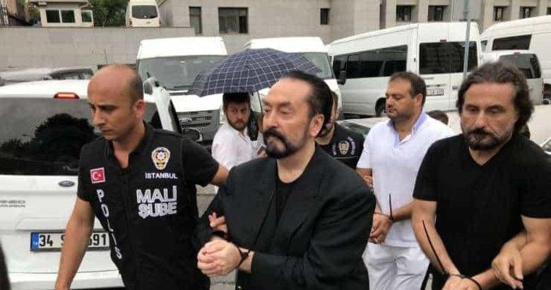 Adnan Oktar davasında flaş gelişme! O avukat barodan 1 yıl uzaklaştırıldı
