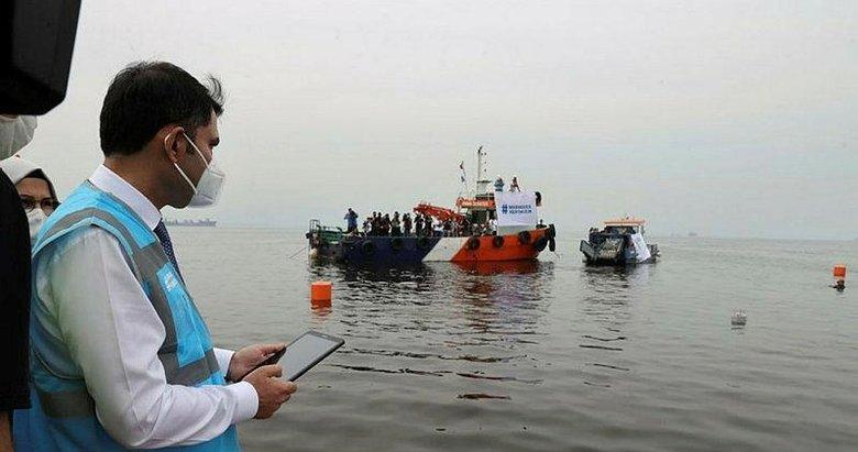 Bakan Kurum: Marmara Denizi'nde 6 bin 929 metreküp müsilajı temizledik