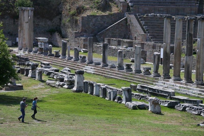 Dünya mirası Bergama ziyaretçilerini kontrollü ağırlıyor