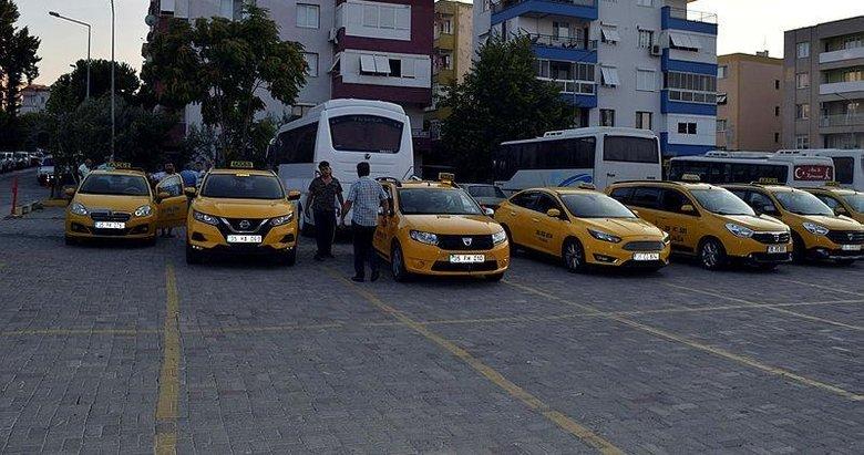 İzmirdeki taksiler yüzde 20 zamla yolcu alımına başladı
