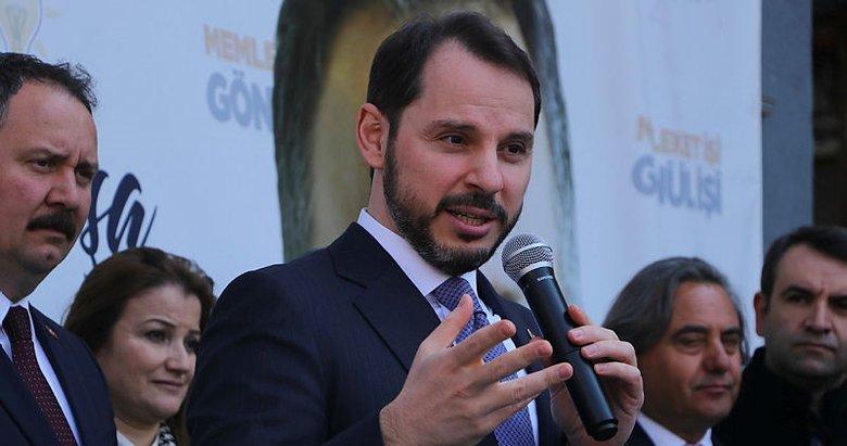 Bakan Albayrak: Hainliği maç izler gibi izleyen siyasetçiler oldu