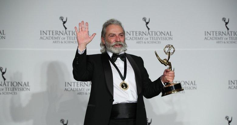 Haluk Bilginer, 47. Uluslararası Emmy Ödülleri'nde en iyi erkek oyuncu seçildi