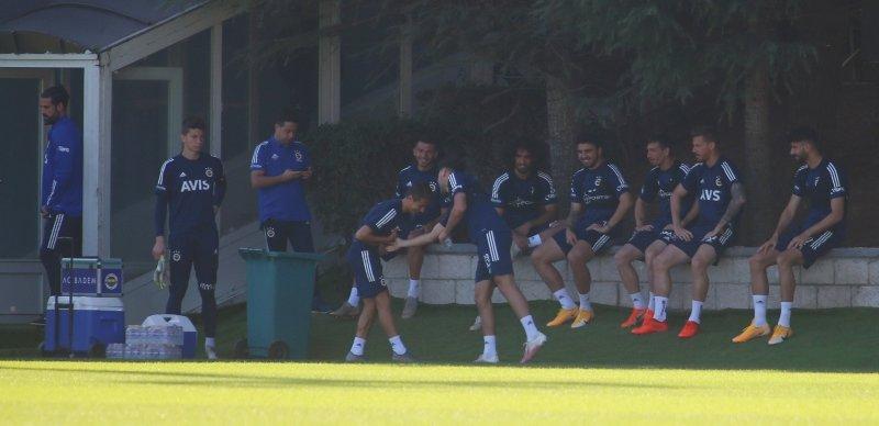 Hangi kadroyla oynayacaklar! İşte Göztepe-Fenerbahçe maçı muhtemel 11'leri