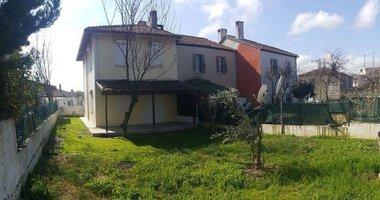İzmir'de kaçırılmayacak bahçeli ev!