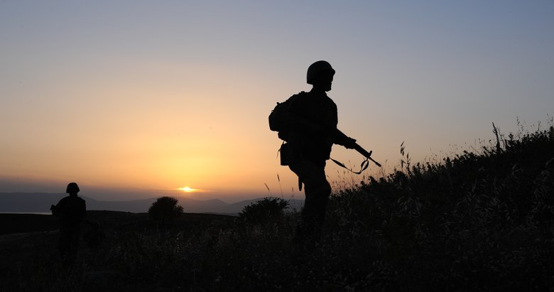 Nöbet tutan asker, silahının ateş alması sonucu hayatını kaybetti