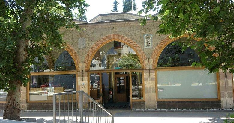 Uşak'ın 600 yıllık camisi halen ibadete açık durumda
