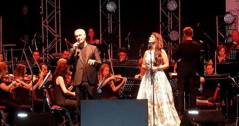 İtalyan tenor Alessandro Safina sokak hayvanları için İzmir'de sahneye çıktı