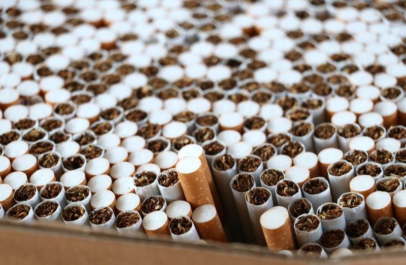İzmir'de 40 milyon 980 bin dal kaçak sigara ele geçirildi