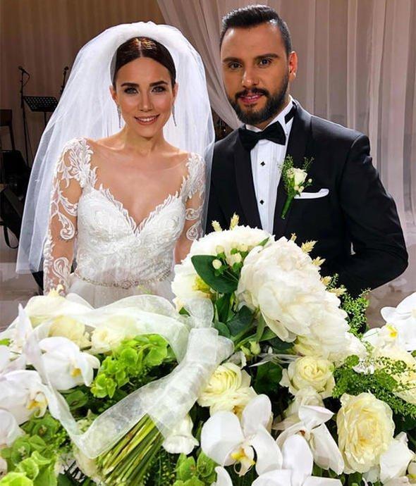 Türkiye evlenmemi bekliyormuş