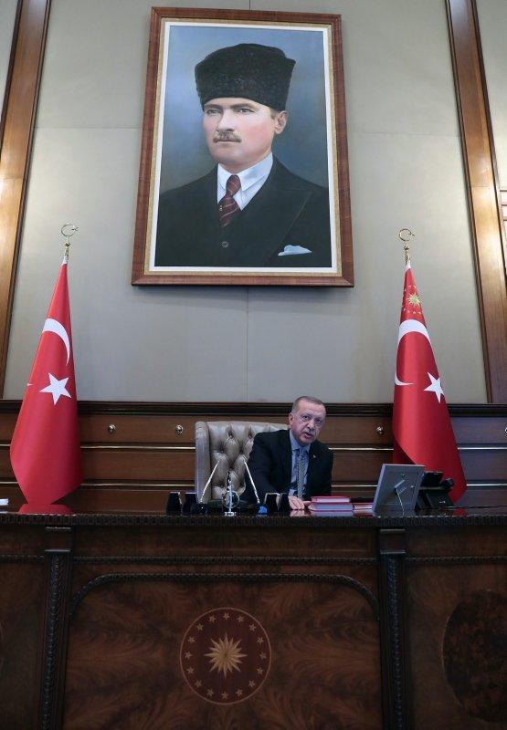 Başkomutan Erdoğan, Barış Pınarı Harekatı'nın emrini böyle verdi