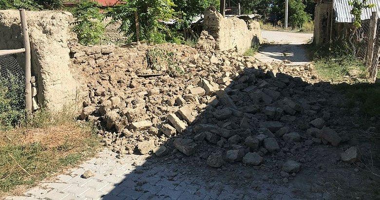 Denizli'deki depremde yaralanan 23 kişi hastanelere başvurdu! AFAD'dan kritik uyarı: 'Binalara girmeyin'