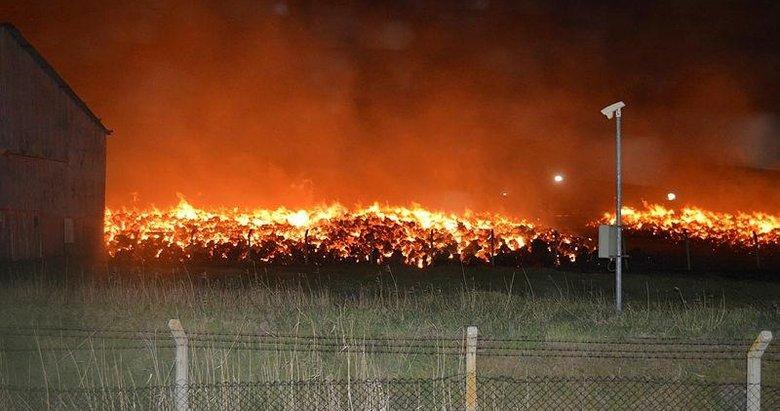 Büyük zarar gün ağarınca ortaya çıktı! 80 bin metrekarelik alandaki hammaddeler yandı