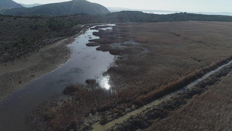 İzmir'in 'Dipsiz Göl'ü İris, eski haline getirilecek