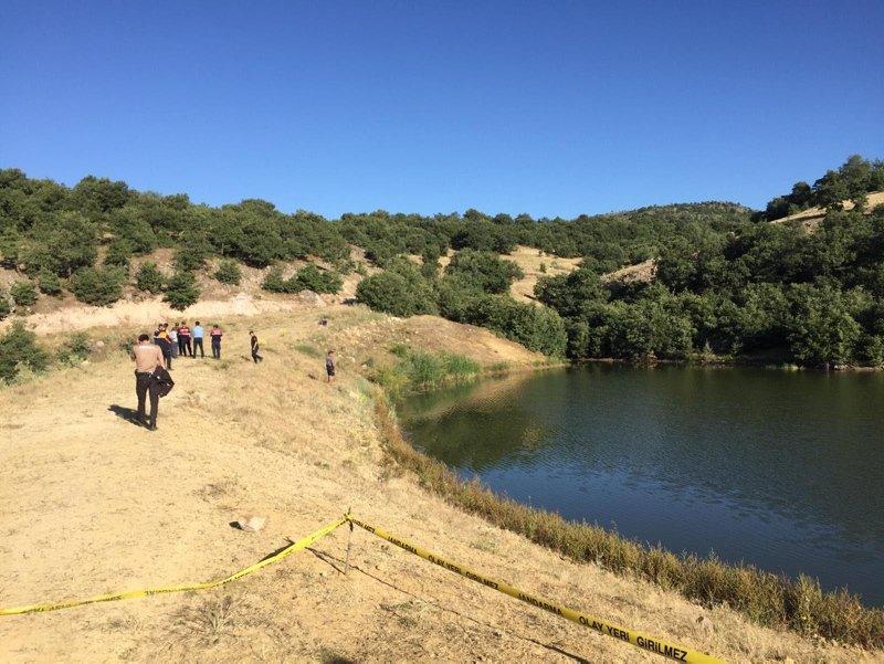 Uşak'ta bir kişi serinlemek için girdiği gölette boğuldu