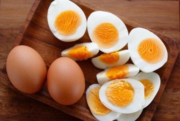 Fazla yumurta yiyenler dikkat: O hastalıklar tetikleniyor! Fazlası yumurta yemenin zararları