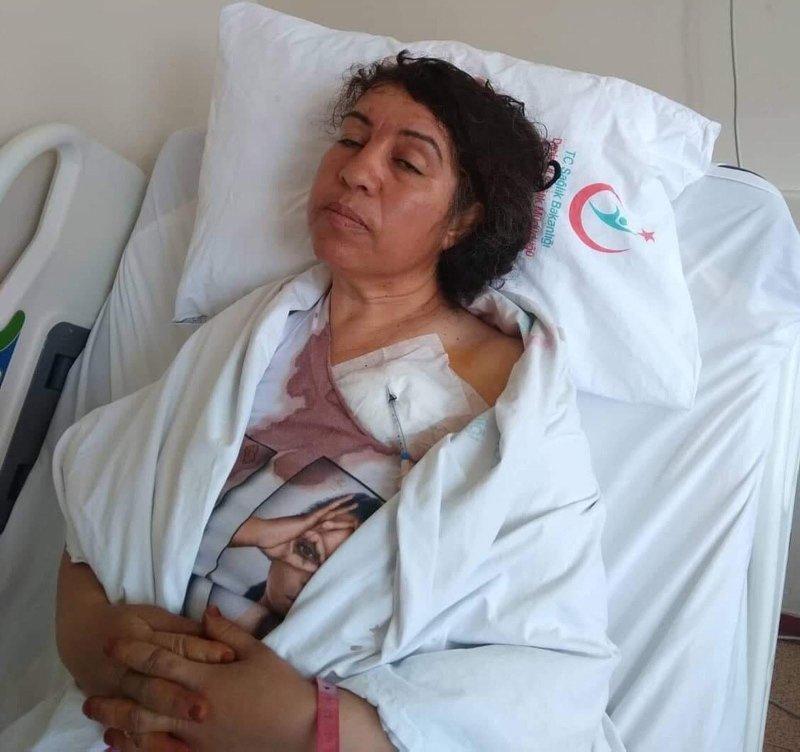 Denizli'de bir kişi odun kesen komşu kadını dövüp, nacakla saldırdı