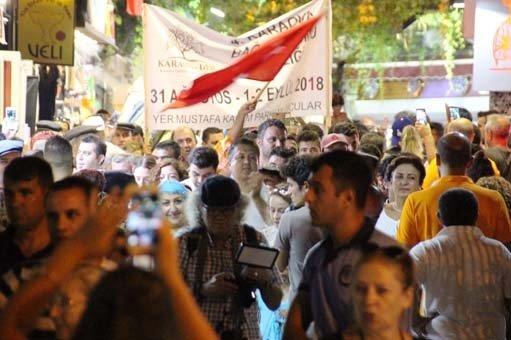 Turistler Bodrum'da onları görünce telefona sarıldı