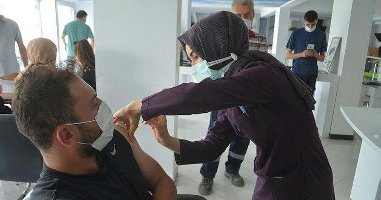 Türkiye'de 70 milyon dozdan fazla aşı uygulandı! İzmir'de kaç doz aşı yapıldı?