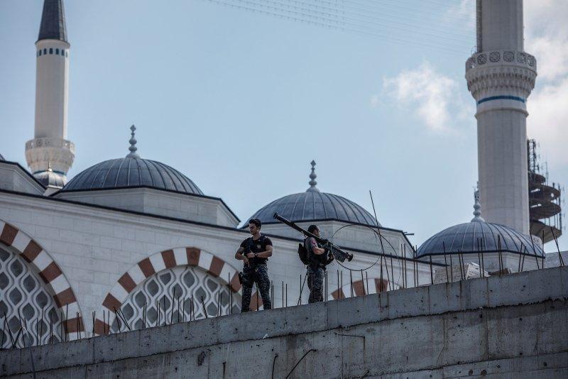 Cumhurbaşkanı Erdoğan Çamlıca Camiinde incelemede bulundu