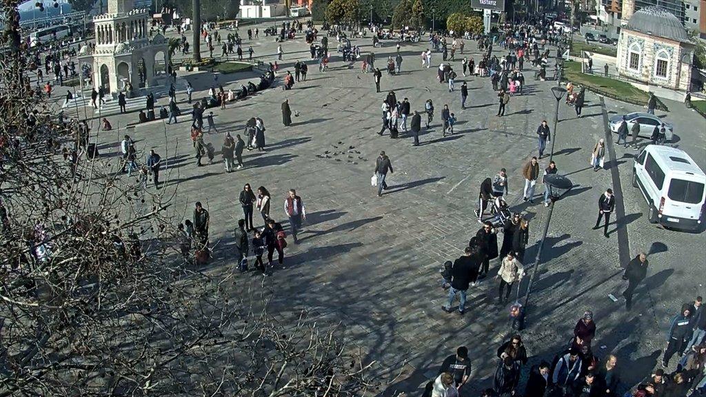 Salgın öncesi ve sonrası kare kare İzmir