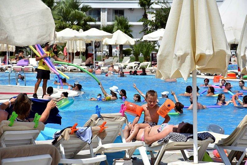 Marmarisli turizmciler çifte sevinç yaşıyor