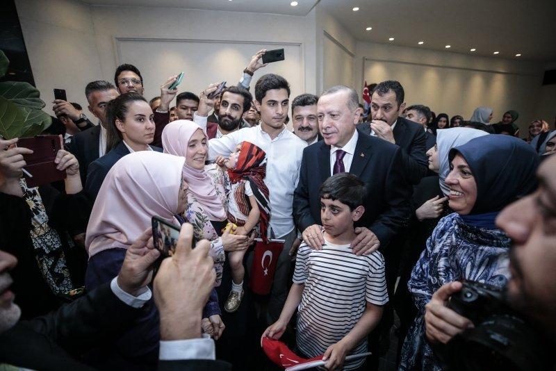 Başkan Erdoğan'a Malezya'da coşkulu karşılama