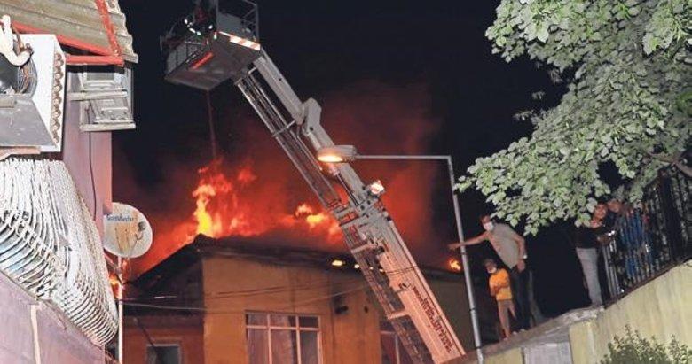 Fırın bacasında çıkan yangın 3 eve sıçradı
