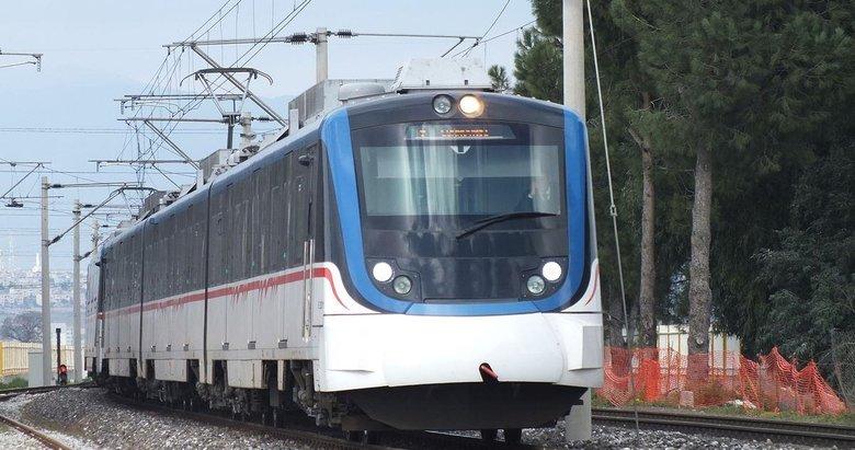 İzmir'de toplu ulaşıma koronavirüs ayarı! İZBAN, otobüs, tramvay ve vapur saatleri değişti
