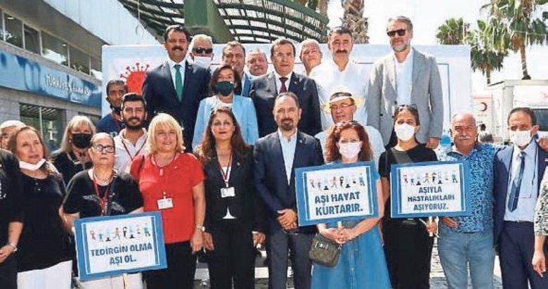 Konak'ta ortak bildiri: Aşı olun sağlıklı kalın