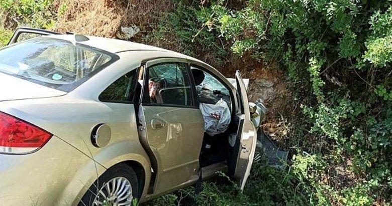 Düğün yolunda kaza: 2 ölü, 2 yaralı