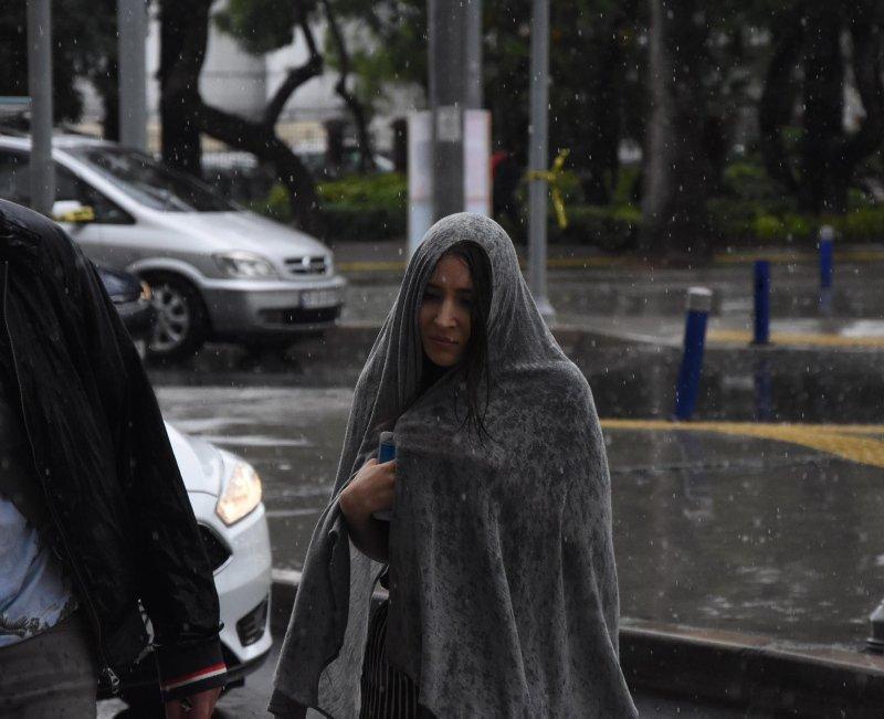 İzmir'de hava nasıl? Meteoroloji'den kritik sağanak yağış uyarısı! İşte 17 Mayıs Cuma hava durumu...