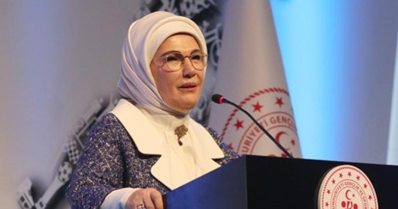 Emine Erdoğan'dan '15 Temmuz' mesajı