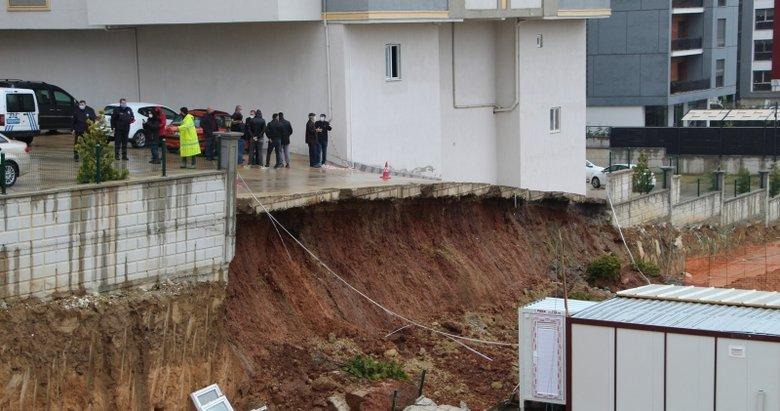 Denizli'de faciadan dönüldü! Şiddetli yağış istinat duvarını çökertti