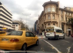İzmirde yeni düzenleme trafiği felç etti