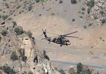 Askeri helikopterle can buldu