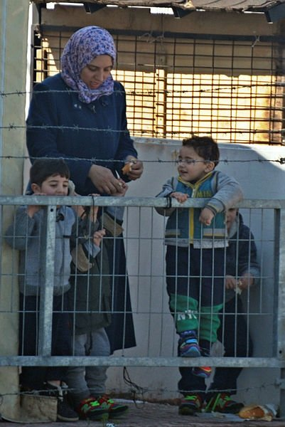 Dikili'de 130 Suriyeli yakalandı