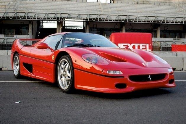 90'larda üretilen en güzel otomobiller