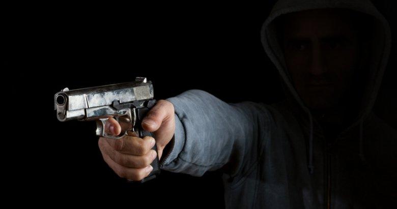 İzmirde sokak ortasında cinayet