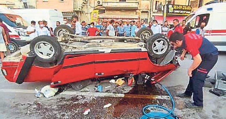 Takla atan araçta sıkışan sürücü güçlükle kurtarıldı