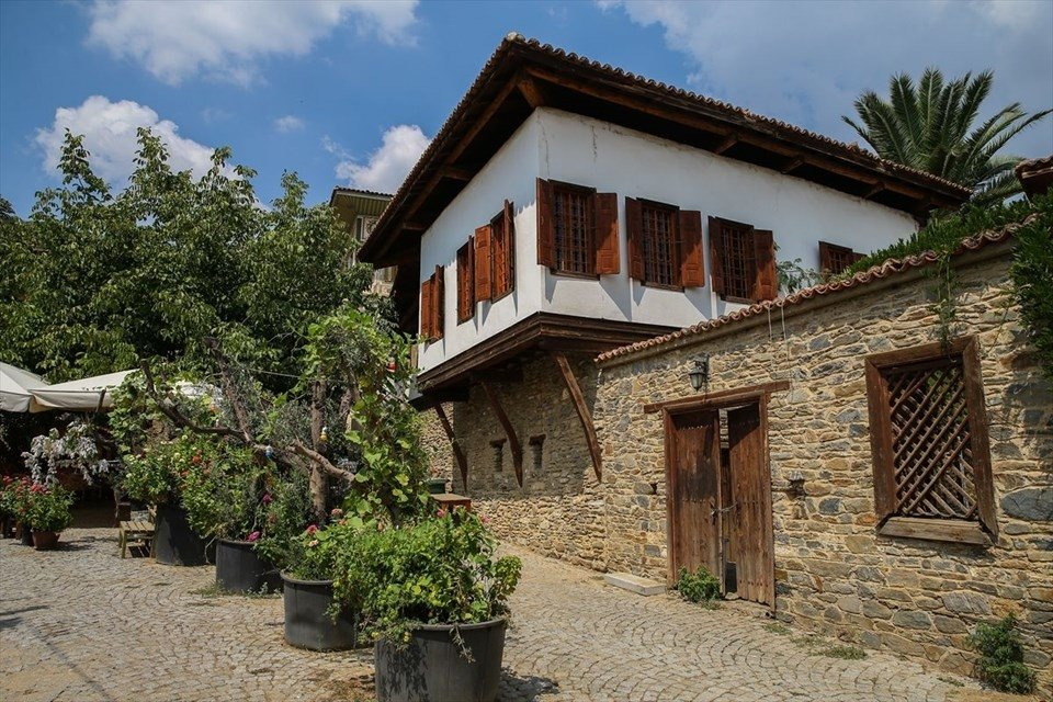 İzmir'in 3 bin yıllık tarihi semti: Birgi mahallesi