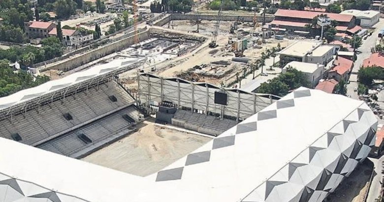 Alsancak Stadı gün sayıyor